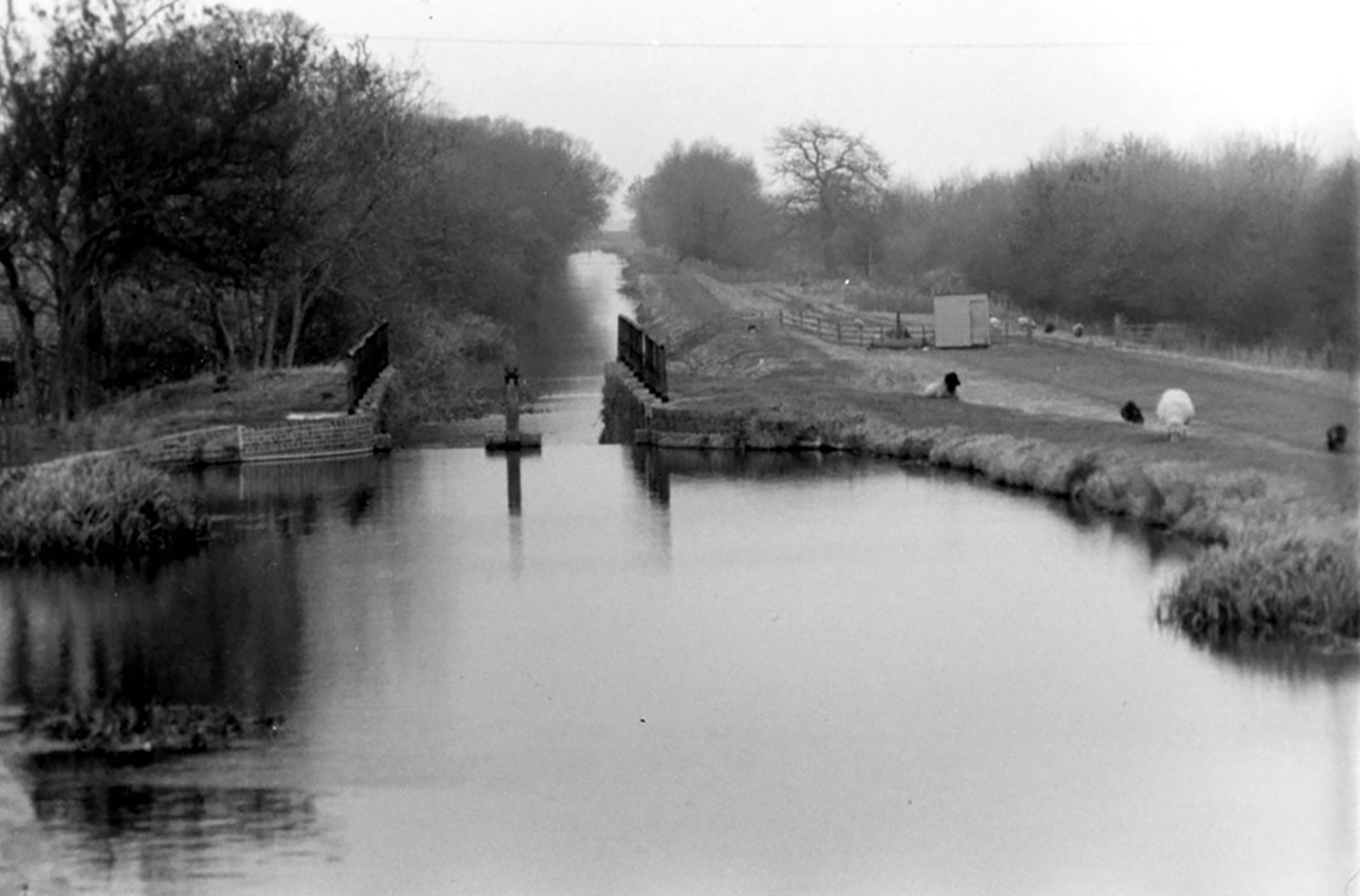 Grantham Canal - Woolsthorpe by Belvoir - Carpenter's Lock - Then